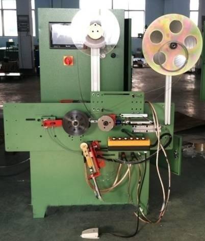 Automaatne spiraalse haava tihendi mähisev masin
